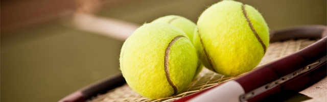 AHS Bulldog TENNIS (balls on racket)
